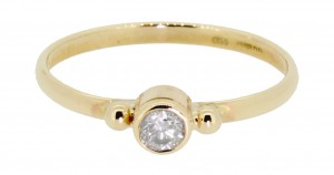Welsh gold diamond engagement ring